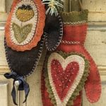 Wool Applique Merry Mittens with Loretta Moore